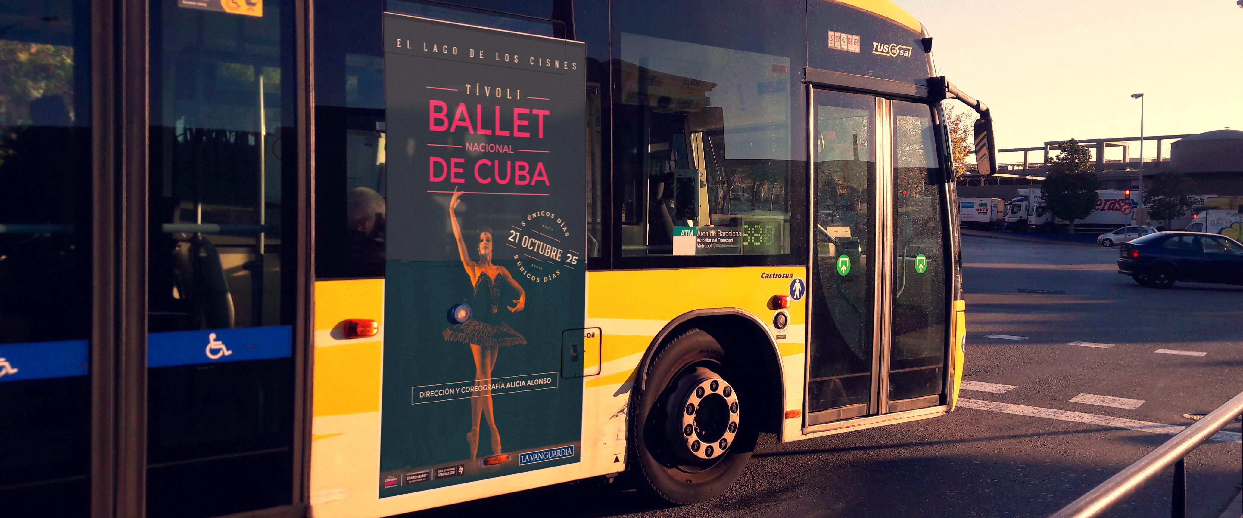 bus con diseño de poster balet de cuba